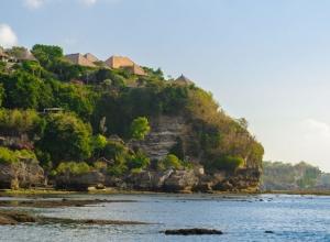 Bayuh Sabbha - looking from beach to villa